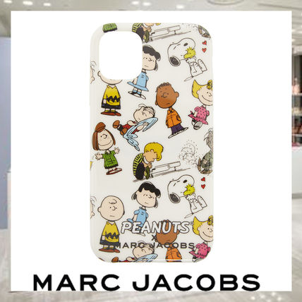 MARC JACOBS スマホケース・テックアクセサリー 【関税・送料込み】Marc Jacobs iPhone11ケース Peanutsコラボ