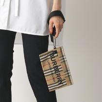 BURBERRY ポーチ ポシェット クラッチバッグ 8026738