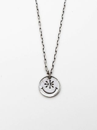 KUJAAN ネックレス・チョーカー 日本未入荷 [KUSAAN] Smile pendant necklace