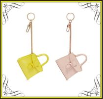 【DELVAUX】'BRILLANT CHARMS' PATENT LEATHER BAG KEYRING
