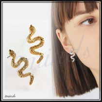 Urban Outfitters★ミニスネークポストピアス