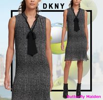 :: DKNY :: SLEEVELESS PLEATED TIE NECK DRESS プリーツドレス