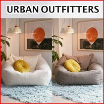 《URBAN OUTFITTERS》シープスキンビーズクッション