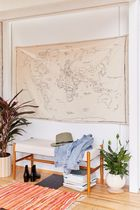 大人気《URBAN OUTFITTERS》 Hand-Drawn World Map Tapestry