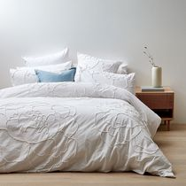 【Target】Greta Looped Chenille Quilt Cover Set 寝具セット