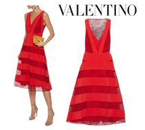 VALENTINO☆pintucked washed-silk & Chantilly lace dress