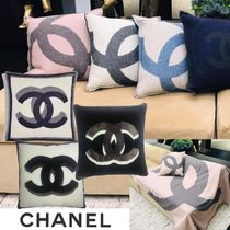 CHANEL▼【直営・正規店品】洗練 ロゴ クッション 7色