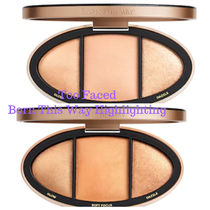 Too Faced★Born This Way Turn Up the Light Highlighting