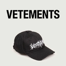 VETEMENTS GOTH VETEMENTS CAP BLACK