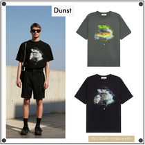 Dunst(ダンスト) Tシャツ・カットソー 日本未入荷DunstのUNISEX DIGITAL SPACESHIP GRAPHIC T-SHIRT