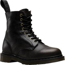 【SALE】 Dr. Martens Pascal 8-Eye Boot