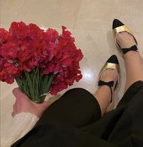 Super Cute! RUNWAY shoe★CHANEL F/W ★Mary janes in gold