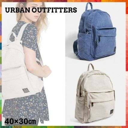 *Urban Outfitters(アーバン)* コーデュロイ バッグパック