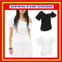 [OPEN THE DOOR] shirring unbalance blouse (2 color)◆追跡付