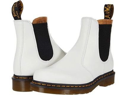 Dr Martens ショートブーツ・ブーティ 【SALE】Dr. Martens 2976 Yellow Stitch Chelsea Boot
