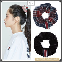 ROMANTIC CROWNのCEREMONY TAPE SCRUNCHIE シュシュ全4色