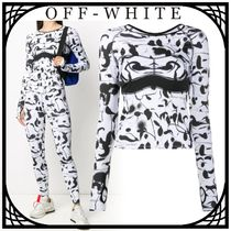 Off-White Abstract プリント パフォーマンストップ 関税なし