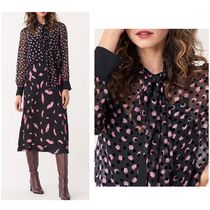 セール中♪DVF Minnie flocked floral-print silk-blend blouse