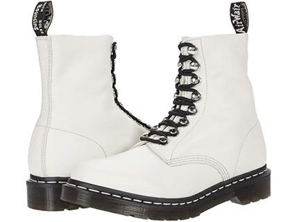 【SALE】Dr. Martens 1460 Pascal Hardware 8-Eye Boot(Women's)