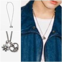 KUJAAN(クジャーン) ネックレス・チョーカー 最安値挑戦【KUJAAN】Daisy & Peace Necklace ◆BTSグク着用◆