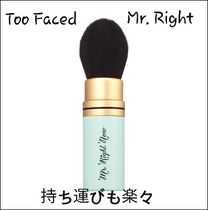 Too Faced Mr.Right Now 持ち運び楽々 メークアップブラシ