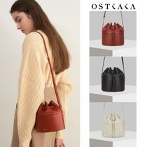 【OSTKAKA】NUMER FEATHER MIMI BUCKET BAG (3Color)
