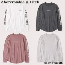 Abercrombie & Fitch(アバクロ) Tシャツ・カットソー 関送料込 Abercrombie & Fitch カーブドヘムロゴTシャツ /4色