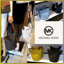 Michael Kors☆BROOKE MD BUCKET MSGR☆バケツバッグ☆送込