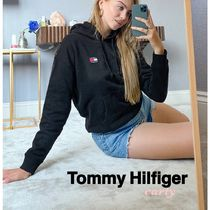 【Tommy Hilfiger】Tommy Jeansバッジフーディー