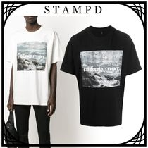 "STAMPD ""CALIFORNIA CREEPER"" グラフィック Tシャツ 関税なし"