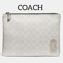 COACH Large Pouch In Signature Canvas コーチパッチ