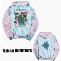 Urban Outfitters(アーバンアウトフィッターズ) パーカー・フーディ 《Urban Outfitters》Harry Potter Herbology * タイダイ柄
