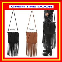 [OPEN THE DOOR]  long fringe bag (2 color) / 追跡付