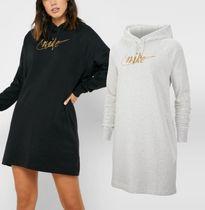 関送込★NIKE★WOMEN'S Glitter Fleece Dress ロゴ刺繍ワンピ