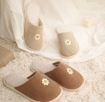 【DECO VIEW】Corduroy Smileflower Embroidered House Shoes
