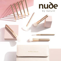 nude by nature(ヌードバイネイチャー) ブラシ Nude by Nature 毛並み滑らか プロメイクブラシ 10本+ケース