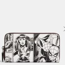 限定Coach x Marvel Accordion Zip Wallet With Comic BookPrint