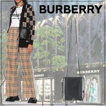 【Burberry】Leather phone pouch