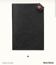 Tarmac passport holder(Noir/Gold) H078483CKAO 13,8x9,8x1,3cm