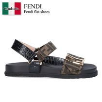 Fendi flat shoes