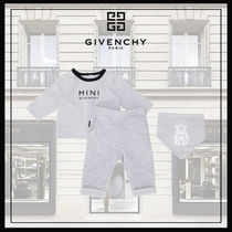 【3-9M】Givenchy ベビー セットアップ 3点セット【ギフトにも】