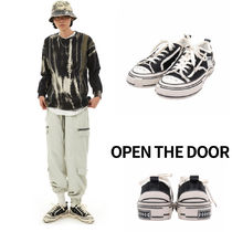 OPEN THE DOOR Vintage Low Sneaker