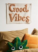★Urban Outfitters★タペストリー・Good Vibes