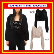 [OPEN THE DOOR]  velvet crop hood zip-up (2 color)◆ 追跡付