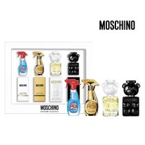 【MOSCHINO】モスキーノ 限定 ミニボトル香水4点セット☆