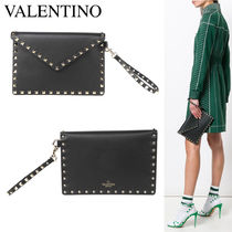 VALENTINO ROCKSTUD ENVELOPE LEATHER POUCH