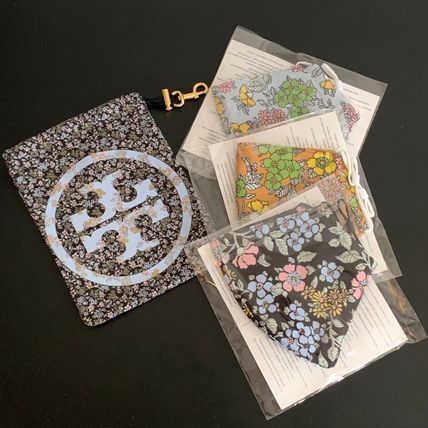 Tory Burch マスク 【Tory Burch】PRINTED FACE MASK, SET OF 3 WITH POUCH♪(8)