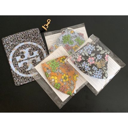 Tory Burch マスク 【Tory Burch】PRINTED FACE MASK, SET OF 3 WITH POUCH♪(9)