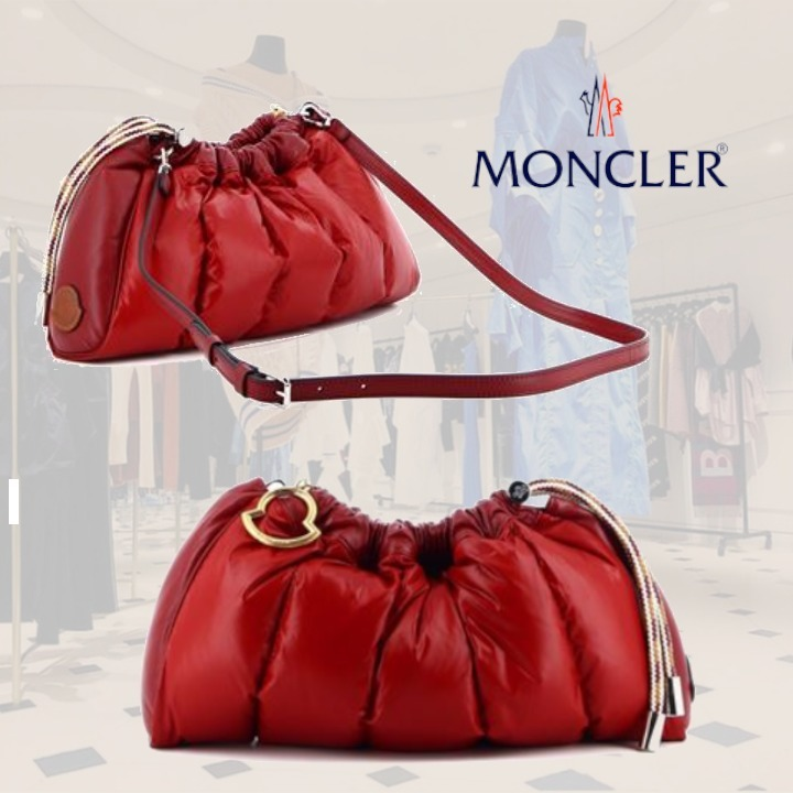 **Moncler**モンクレール★ SEASHELL PADDED BAG IN RED (MONCLER/ショルダーバッグ・ポシェット) 61058995