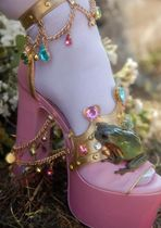 大人気★DOLLS KILL★ CROWNED CHARMER PLATFORM HEELS